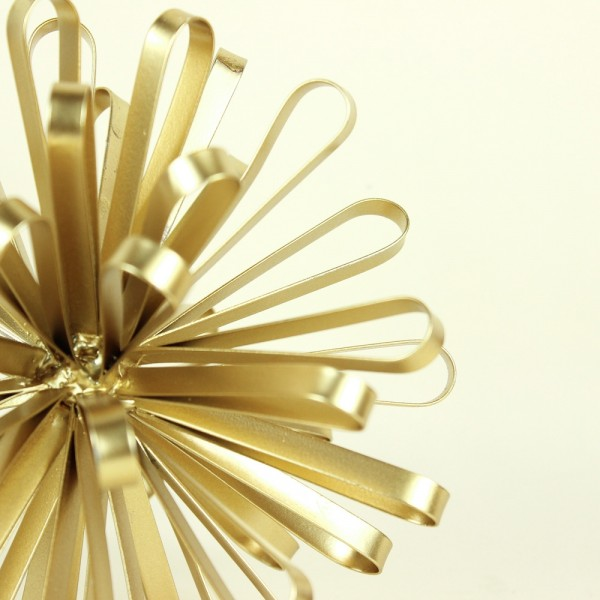Escultura Novelo em Metal Dourado M