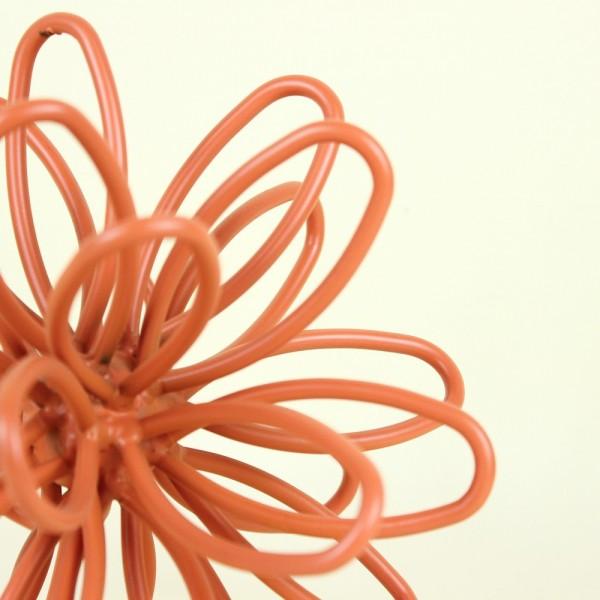 Escultura Flor em Metal Terracota M